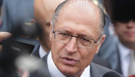 Alckmin diz que tucano que votar contra Previdência será punido