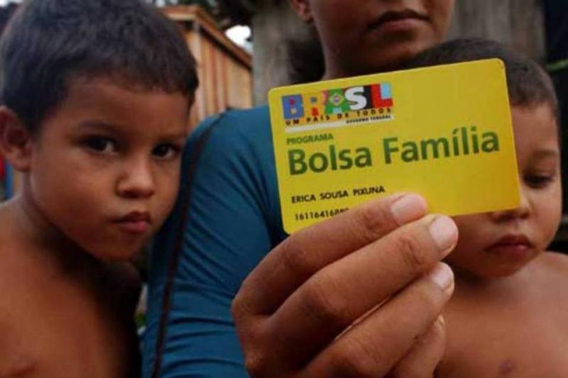 Bolsa Família: problema em cadastro bloqueia ou cancela 2 milhões de benefícios