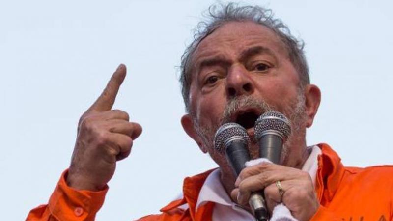 'Coisa de quem é quase um analfabeto político', diz Lula sobre Moro