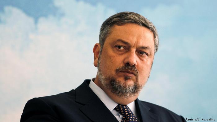MPF diz que Palocci pediu 10% de propina de empreiteiras para Delfim Netto