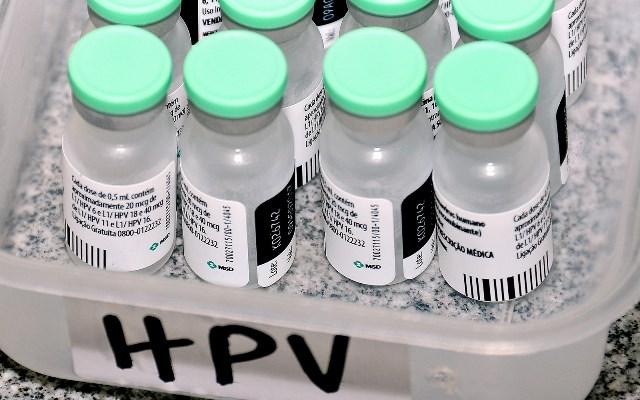 Ministério da Saúde lança campanha para vacinar jovens contra o HPV