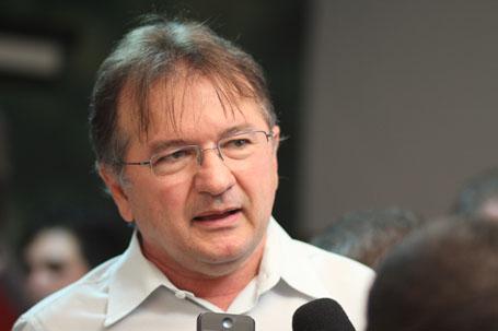 Auditores do TCE-PI rebatem declarações de Merlong Solano