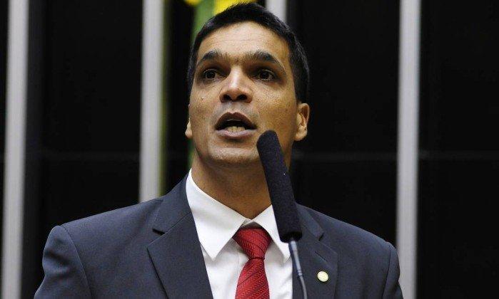 Pré-candidato ao Planalto, deputado responde a inquérito por desvio de dinheiro