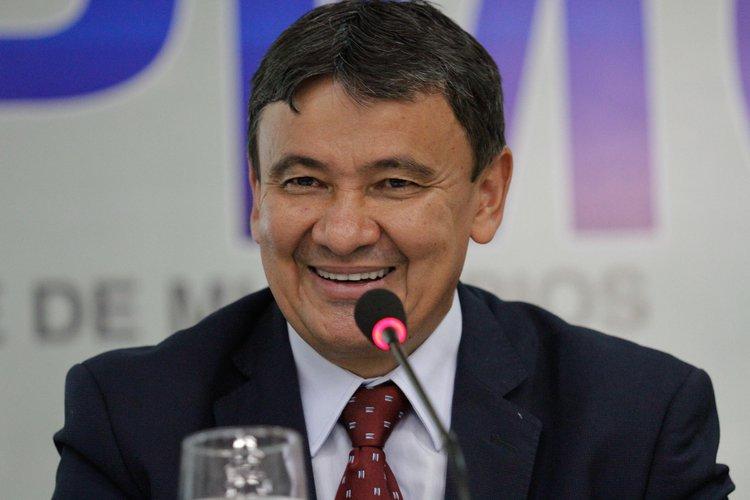Robert Rios pede cópias e notas fiscais dos gastos do Gabinete Militar do governo de W.Dias