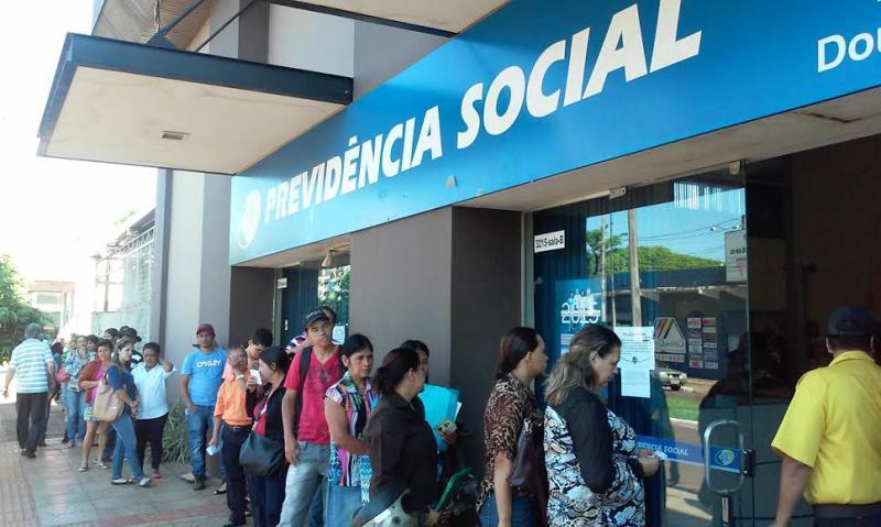 Convocados pelo INSS têm até amanhã para agendar perícia de revisão do benefício