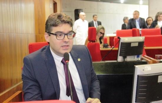 Luciano Nunes denuncia falta de regularização do pagamento do transporte escolar