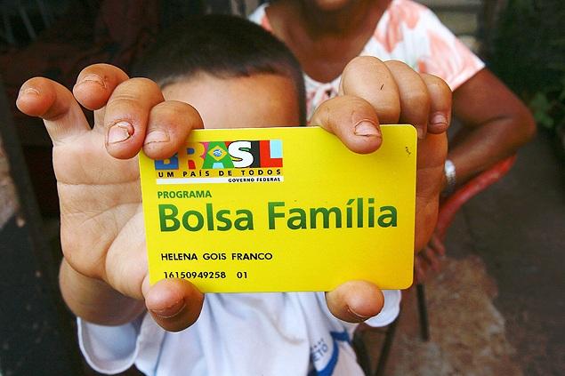 Governo anuncia aumento do Bolsa Família no dia 1º de maio