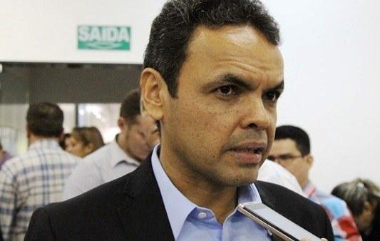 Defesa entra com agravo regimental contra decisão que extinguiu processo de Gil Carlos