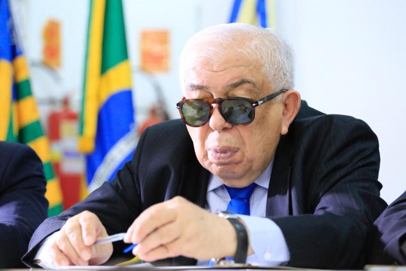 Paes Landim gastou mais de R$ 114 mil com frete de aeronaves e bilhetes aéreos