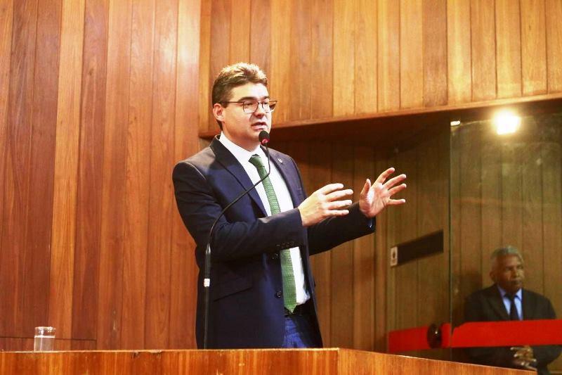 Luciano Nunes diz que obras da estrada de Dom Inocêncio estão paralisadas