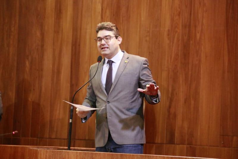 """Luciano Nunes afirma que líder do governo quer """"fechar"""" Assembleia Legislativa"""