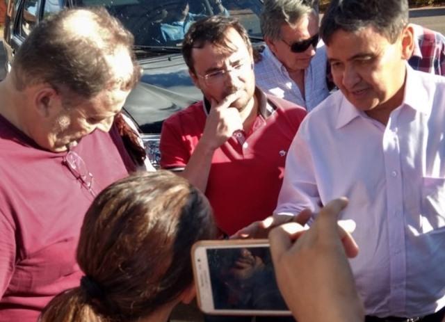 Governador Wellington Dias é recebido com manifestação no sul do Estado