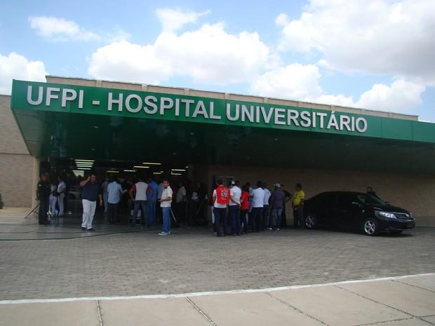 Servidores do HU Piauí deflagram greve e serviços ficam suspensos a partir de terça-feira