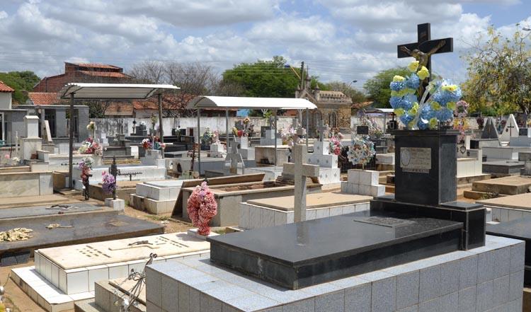 Cemitérios clandestinos em São João do PI e municípios são alvos de inquérito no MP