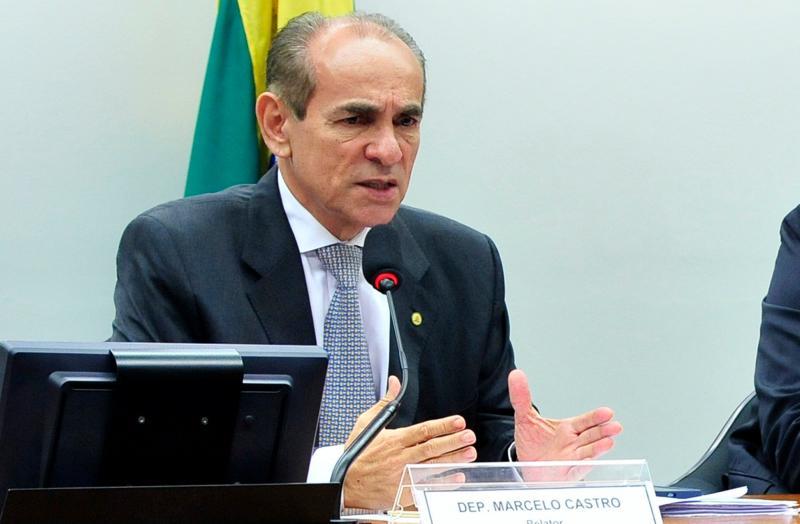 Só com consultorias e pesquisas, Marcelo Castro gasta R$ 45 mil em um mês
