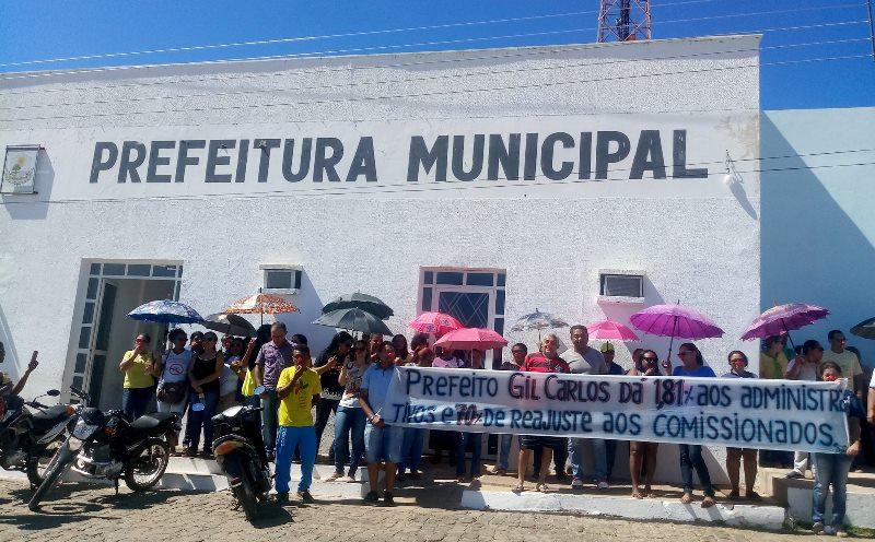 Sindicato ameaça denunciar ao MP 587 prestadores e comissionados da gestão Gil Carlos