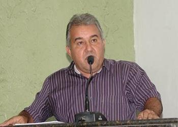 Elias Laurentino se livra de cobrança de multa de 1.200 UFIRs