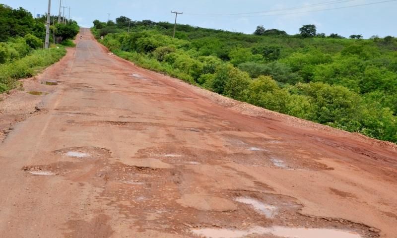 Justiça dá 30 dias para DER retomar obra de asfalto do trecho Itainópolis e Picos