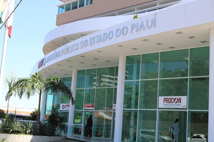MP e OAB entram com ação na Justiça Federal pedindo sequestro de R$ 40 milhões do governo do Piauí