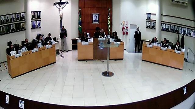 TRE-PI anula decisão que extinguiu o recurso da cassação do prefeito Gil Carlos
