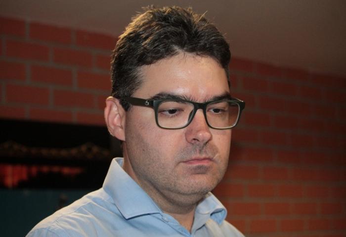Coligação de Luciano entra com representação contra propaganda para W. Dias no twitter