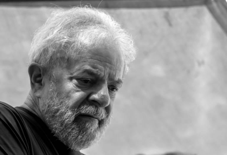 TSE nega registro de candidatura a Lula