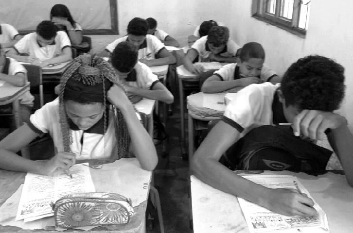 Educação com índices medíocres