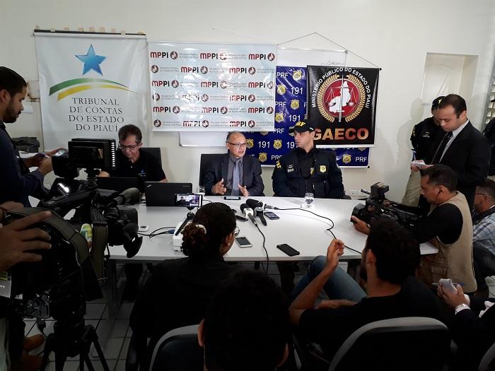 MPE deflagra operação e apreende documentação em secretarias do governo do PI