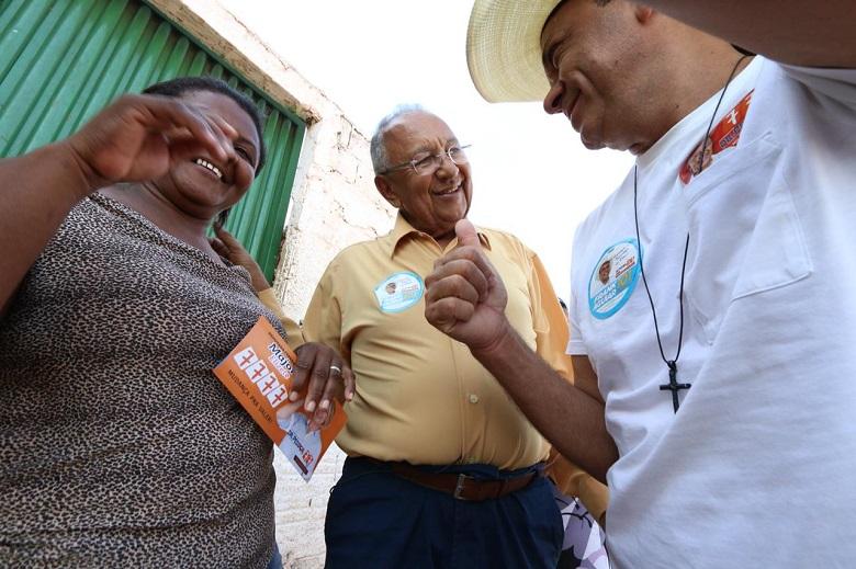 Dr.Pessoa faz caminhada em São João do Piauí, segunda-feira, dia 24