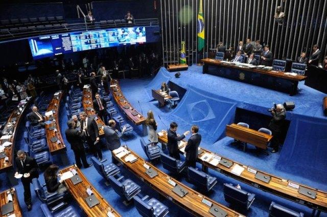 Senadores eleitos ou reeleitos este ano devem R$ 65 milhões à União