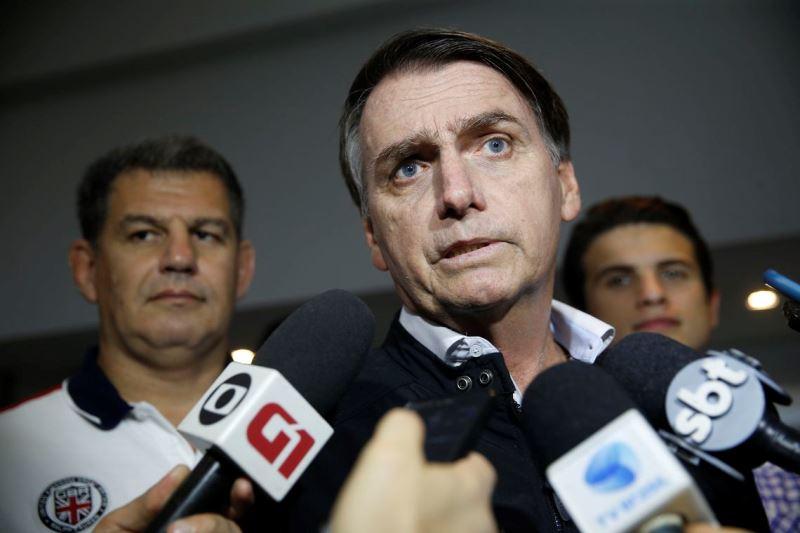 Jair Bolsonaro afirma que vai resgatar o respeito em sala de aula
