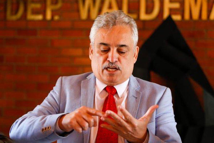 Alepi rejeita pedido de Robert Rios para convocar secretário de Educação