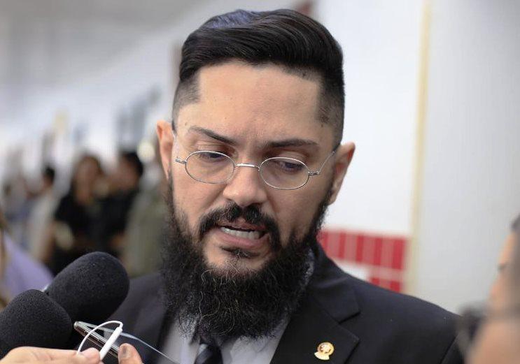PRE investiga conduta do presidente do SINTUFPI por manifestação de apoio a Haddad