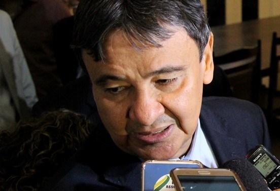 Governador Wellington Dias anuncia corte de despesas e veta novas contratações