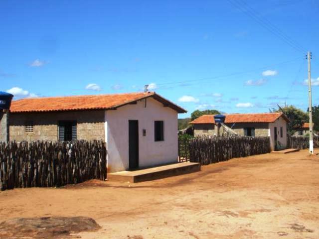 Alexandre Mendonça consegue obra de pavimentação para o Assentamento Marrecas