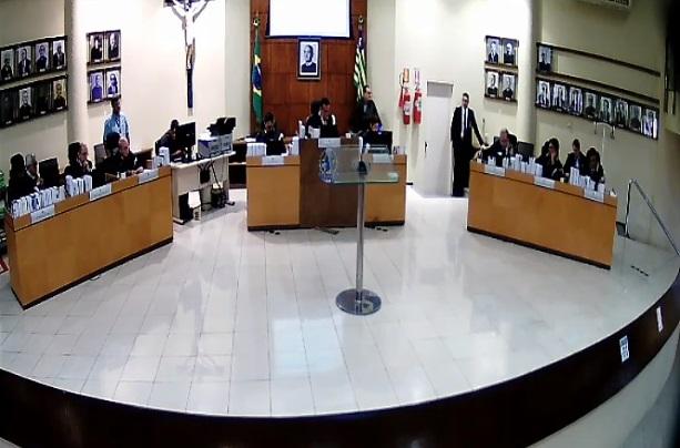 VIVO!Julgamento do processo de cassação do prefeito Gil Carlos