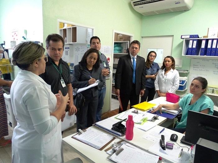 MP e Conselhos ligados à Saúde inspecionam a Maternidade Evangelina Rosa