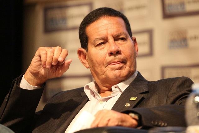 Mourão cobra demissão de Marun da Itaipu Nacional
