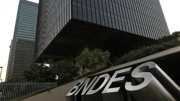 Obras com recursos do BNDES são investigadas