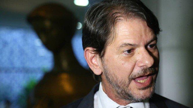 Flávio Bolsonaro e Lula: se correr o bicho pega, se ficar o bicho come!