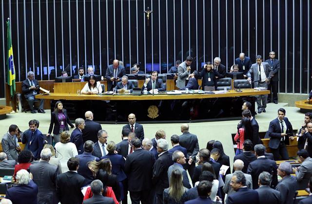 Novos deputados querem mudar regras para ocupação de gabinetes