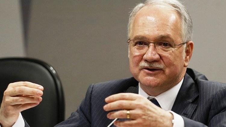 Fachin nega mais um pedido de liberdade de Lula