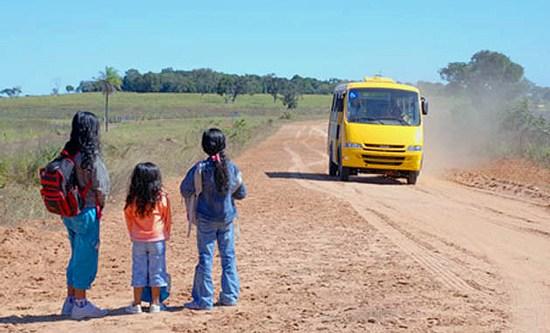 MP apura denúncia de fechamento de escola e transporte de alunos em São João do Piauí