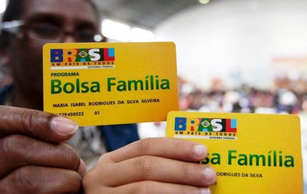 13º do Bolsa Família vai proporcionar maior poder de compra da história, diz ministro