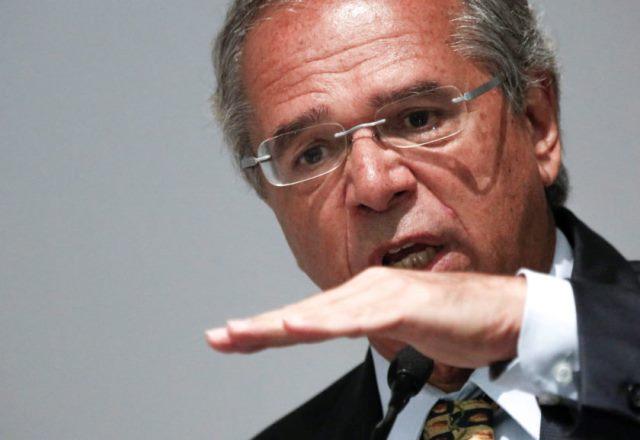 Guedes: Estudamos antecipar de R$ 4 a R$ 6 bi da cessão onerosa para estados e municípios