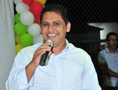 Prefeito Gilson Castro é condenado a pagar R$74 mil por descumprimento de ordem judicial