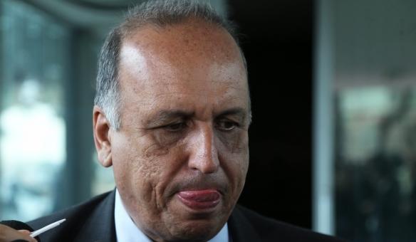 Justiça bloqueia R$ 35 milhões de Pezão e mais oito réus em processo do PAC das Favelas