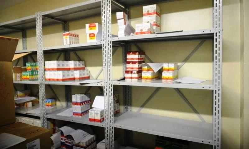 Falta de remédios ameaça dois milhões de pacientes em todo Brasil