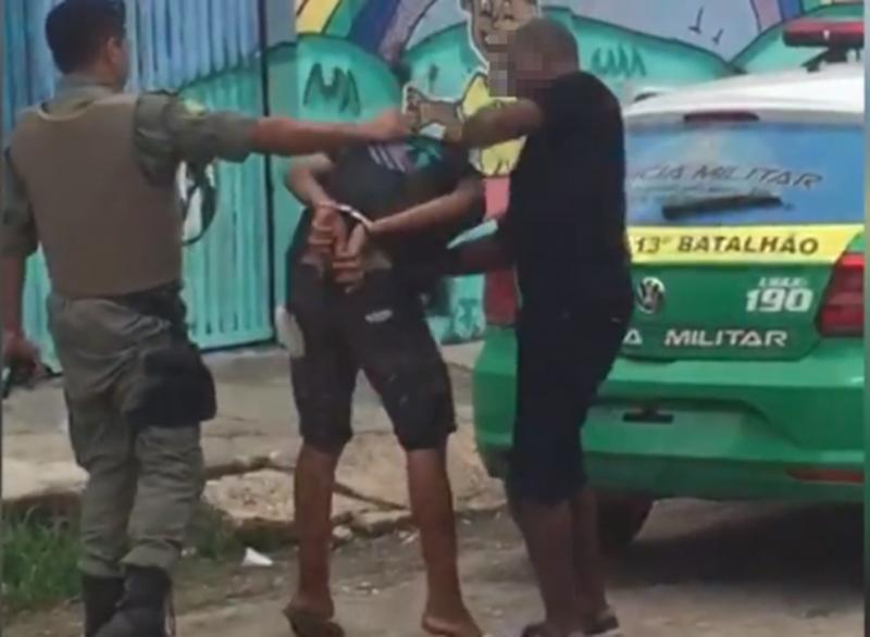 Policiais Militares são presos após serem flagrados agredindo menor