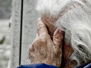 Homem espanca a própria mãe de 74 anos, no PI